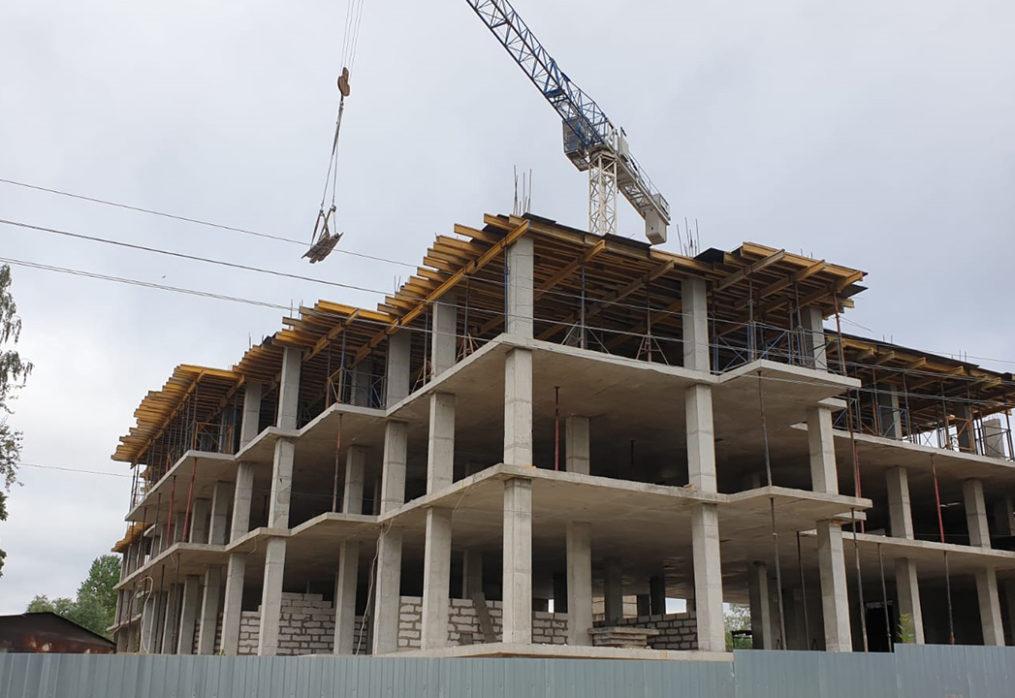 Монтаж монолитных конструкций каркаса 4 этажа